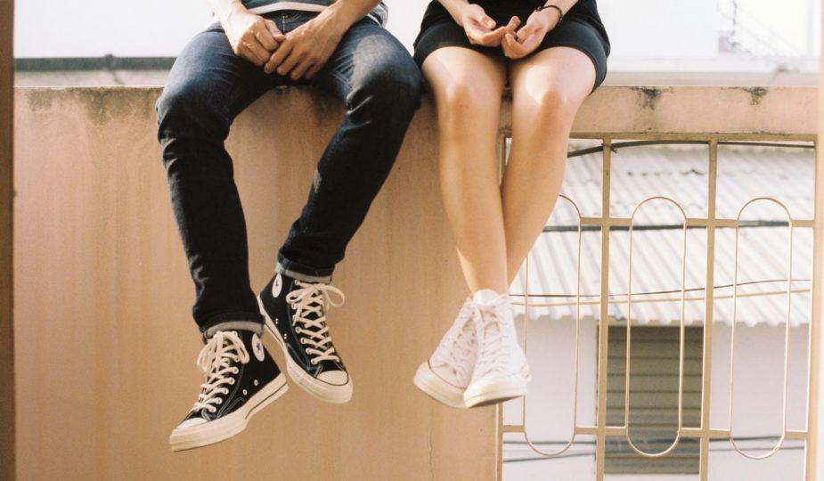 buty na płaskiej podeszwie