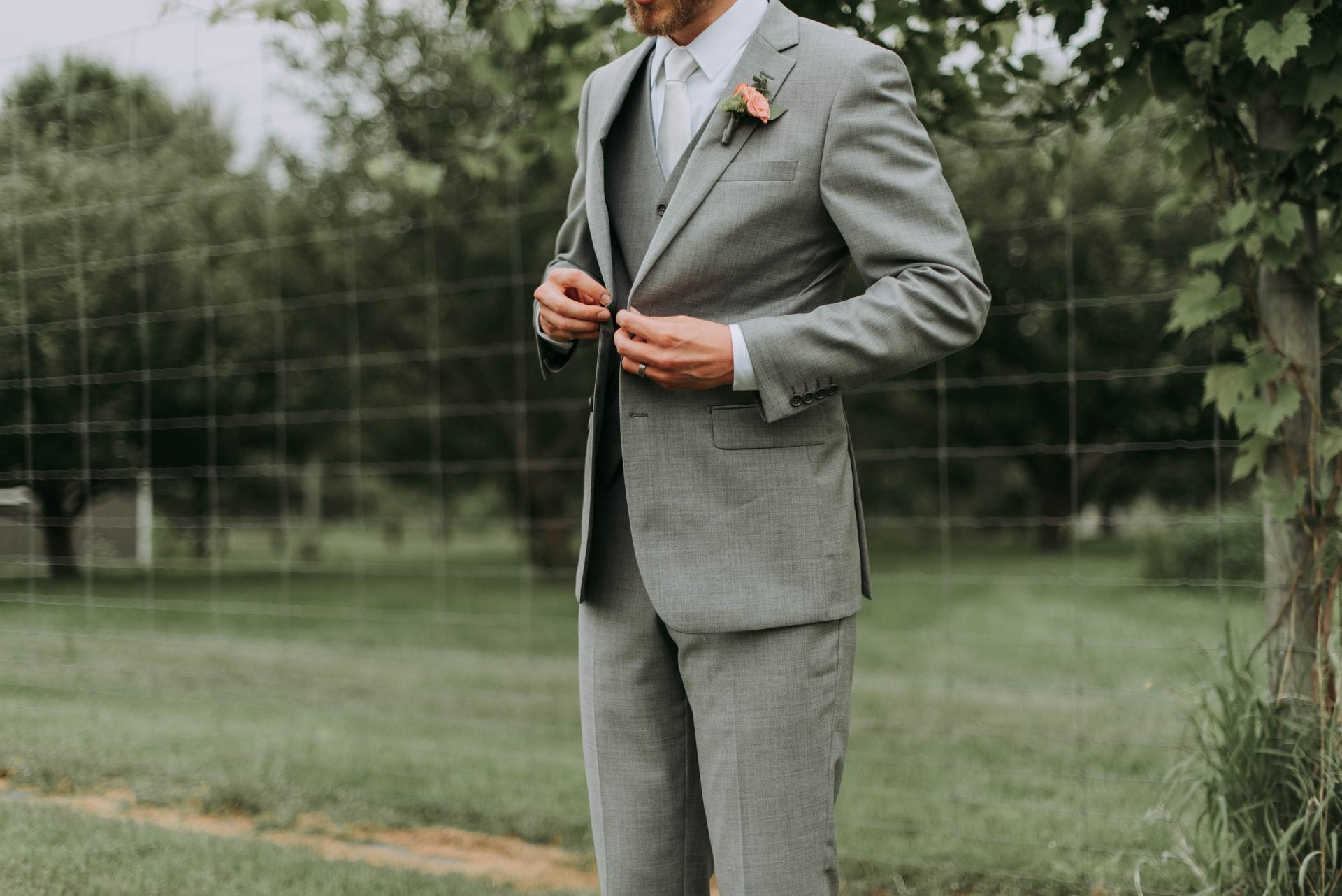 eleganckie męskie garnitury