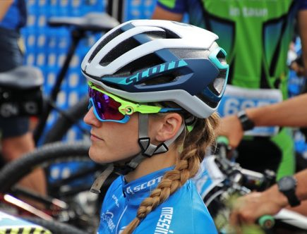 okulary przeciwsłoneczne sportowe - rowerzystka